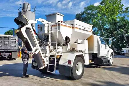 2009 International Mobile Concrete Mixer